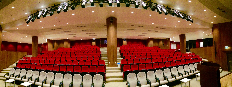 المسرح مستشفى طب الآسنان... - يضمم 388 كرسي